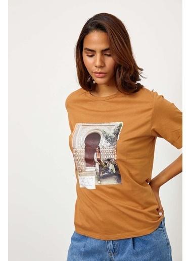 Setre Siyah Kısa Kol Baskılı T-Shirt Kahve